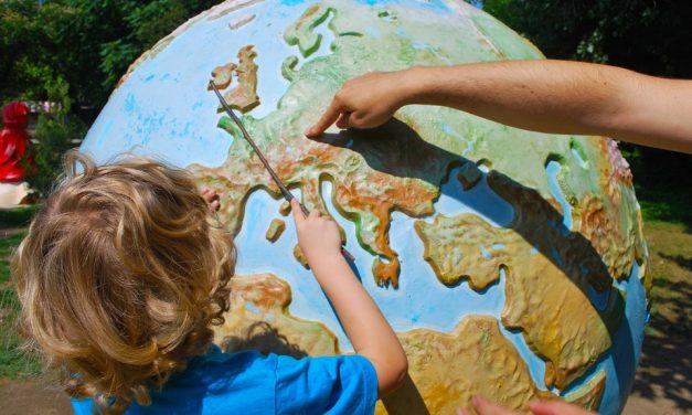 Un jeu pour parler de l'expatriation des enfants avec eux