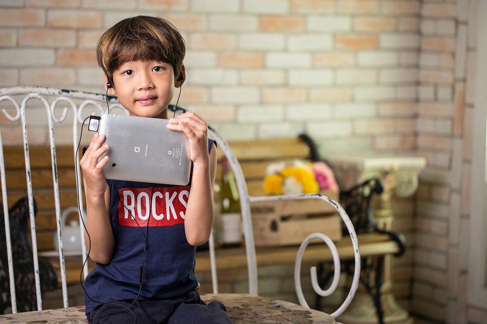 Radios en ligne : 6 webradios pour enfant en expatriation